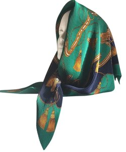 United Colors of Benetton Equestrian Beauty Diamond Ripple Wrinkleresistant Scarf