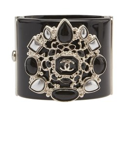 Chanel Chanel Black Resin Gripoix Wide Cuff Bracelet (103412)