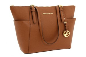 Michael Kors 30f2gttt8l Jet Set Mk Saffiano Tote in LUGGAGE