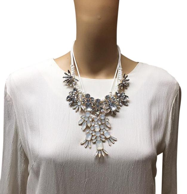 Item - White Glass Stone Ave Necklace
