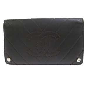Chanel CHANEL V Stitch CC Logos Bifold Long Wallet Leather Brown Italy Men