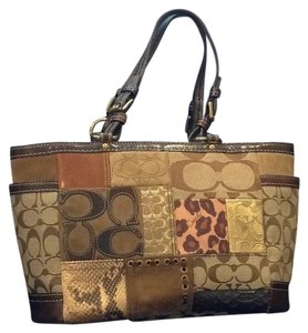 Coach Tote in Brown/multi