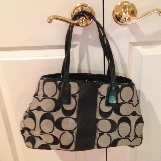 Coach and Four Tote in Black/grey Pattern Image 3