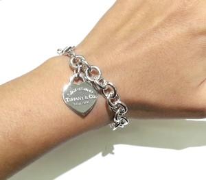 Tiffany & Co. Please Return To Tiffany Heart Charm Bracelet 7