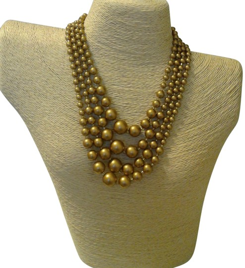 Preload https://img-static.tradesy.com/item/19829023/gold-women-beaded-necklace-0-2-540-540.jpg