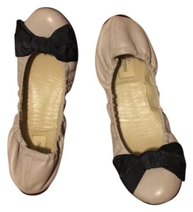 Valentino Tan with black bows Flats