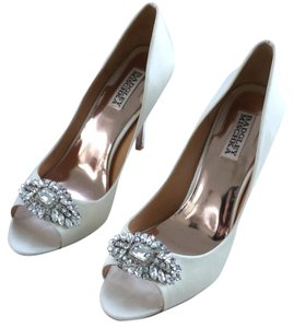 Badgley Mischka Ivory Satin Pumps