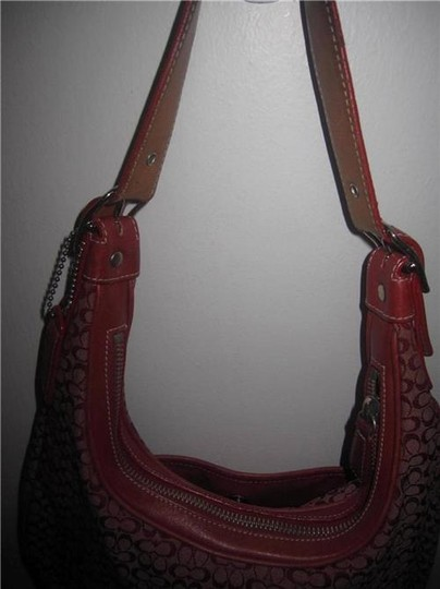Coach Multiple Compartment Excellent Vintage Hobo/Shoulder Great Everyday Perfect Pop Of Color Hobo Bag Image 2