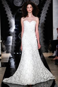 Reem Acra Ivory Re-embroidered Lace and Tulle Luella 4911 Formal Wedding Dress Size 12 (L)