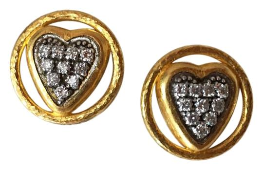 Preload https://img-static.tradesy.com/item/19829585/gurhan-24-k-gold-and-diamond-heart-earrings-0-2-540-540.jpg