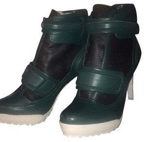 BCBGMAXAZRIA black/ white/ green Boots