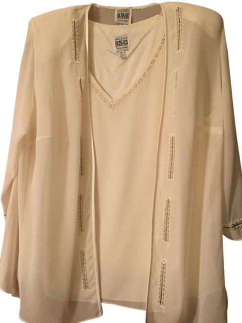 Preload https://img-static.tradesy.com/item/19830506/r-and-m-richards-cream-by-karen-kwong-pant-suit-size-18-xl-plus-0x-0-1-650-650.jpg