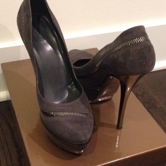 Gucci Grey Pumps Image 6