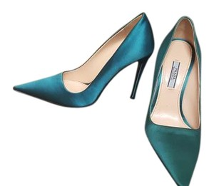 Prada sea foam blue Pumps