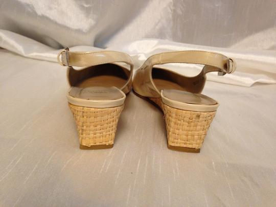 Stuart Weitzman Patent Leather Nude Leather Soles Leather Insoles Wedge Beige Sandals
