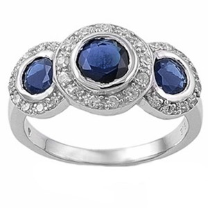 9.2.5 gorgeous 3 stone blue sapphire royal cocktail ring size 7.
