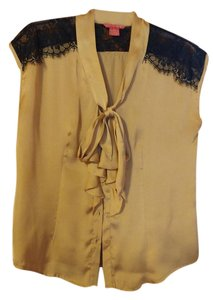 Sunny Leigh Lace Top Gold