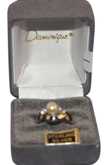 Preload https://img-static.tradesy.com/item/19834808/diamonique-silver-925-sterling-w-pearl-and-stones-new-ring-0-1-540-540.jpg