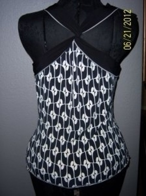 White House   Black Market Top Black and Ivory
