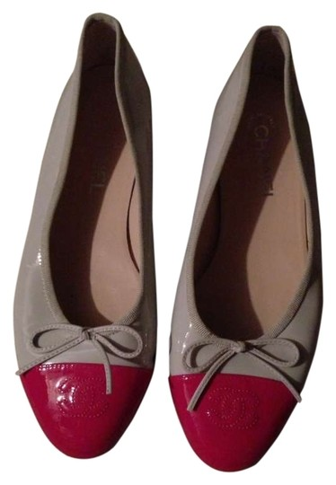 Preload https://item4.tradesy.com/images/chanel-gray-with-hot-pink-toes-flats-size-us-9-regular-m-b-198353-0-0.jpg?width=440&height=440