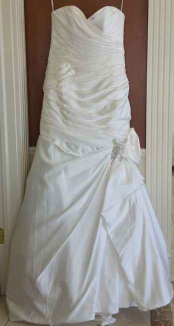 Item - Ivory Satin Campbell Traditional Wedding Dress Size 16 (XL, Plus 0x)