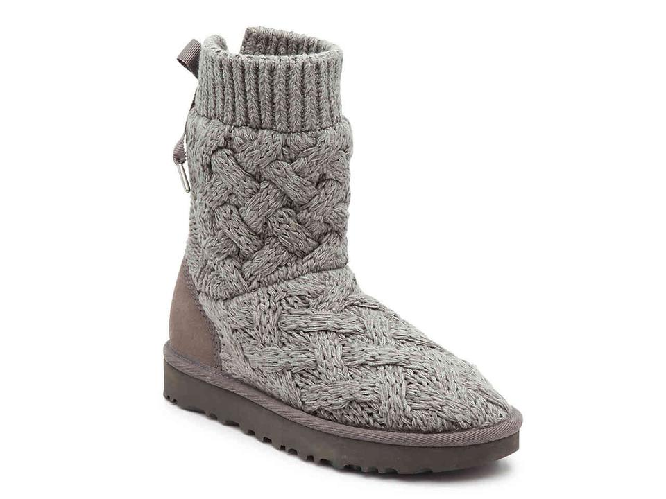 5ccf21fbb97 UGG Australia Gray Isla Sweater and Suede Boots/Booties Size US 6 Regular  (M, B) 23% off retail
