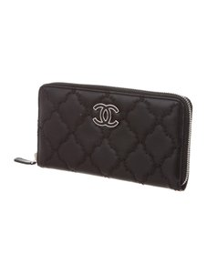 Chanel hampton black big wallet