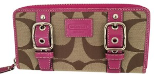 Coach SIGNATURE C ZIP AROUND BUCKLE WALLET BROWN