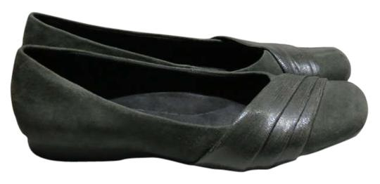 Preload https://item2.tradesy.com/images/clarks-gray-bendables-85w-flats-size-us-85-198371-0-0.jpg?width=440&height=440