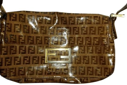 Preload https://item1.tradesy.com/images/fendi-baguette-brown-beige-poly-leather-shoulder-bag-1983755-0-0.jpg?width=440&height=440