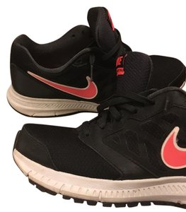 Nike Black & Pink Athletic