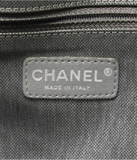 Chanel Tote in black Image 7