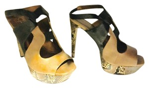 Jessica Simpson Black and tan Sandals