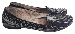 Betseyville Black and white Flats