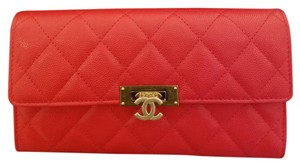 Chanel 2016 L-gusset Wallet Red Clutch