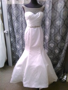 Impression Bridal by Zurc Ivory Duchess Satin 10252 Sexy Wedding Dress Size 6 (S)