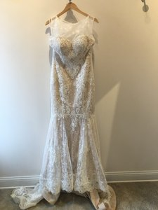 10422 Wedding Dress