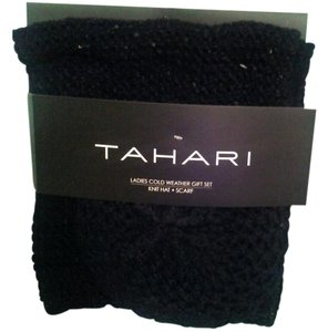 Tahari TAHARI Ladies Cold Weather Gift Set Knit Hat & Scarf Black NWT