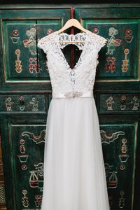 Model 2810 Wedding Dress