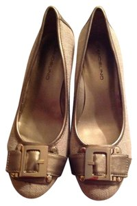Bandolino Light brownish gold Wedges