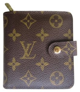 Louis Vuitton Louis Vuitton Wallet Zip Compact