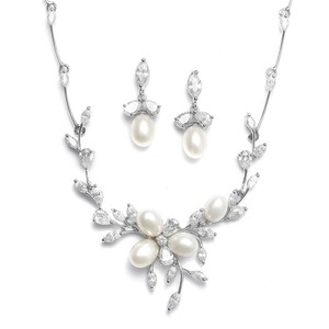 Mariell Silver Freshwater Pearls with Cz Leaves Necklace 3041s Jewelry Set