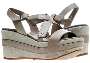 Antelope Beige/Gray Wedges