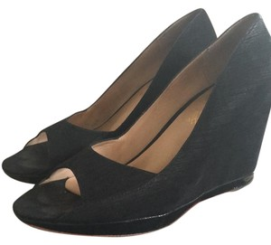 Modern Vintage Black Wedges