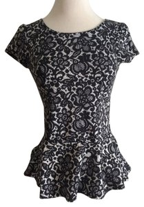 Dorothy Perkins Peplum T Shirt black/white lace print
