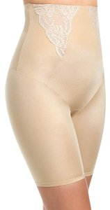 Maidenform Shapewear Bodyshaper Shorts Tan