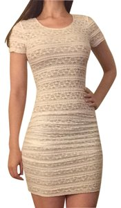 BCBGMAXAZRIA Bodycon Ruched Lace Dress