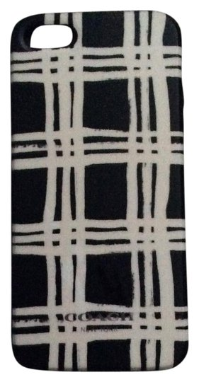 Preload https://img-static.tradesy.com/item/19846015/coach-black-and-white-iphone-5s-case-tech-accessory-0-1-540-540.jpg