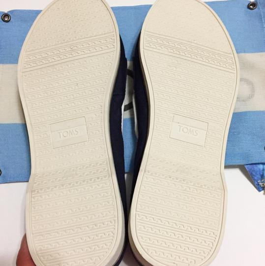 TOMS Navy blue/white Flats Image 5