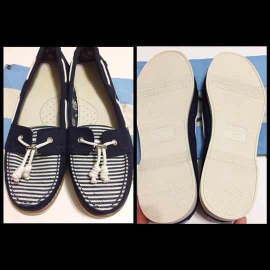 TOMS Navy blue/white Flats Image 7